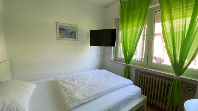 Einzelbettzimmer im Hotel T. Strobel Garni in Maisach